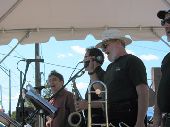 RICO BARR AND THE JUMP N JIVE REVIEW AT THE FESTIVAL OF THE THREE SAINTS